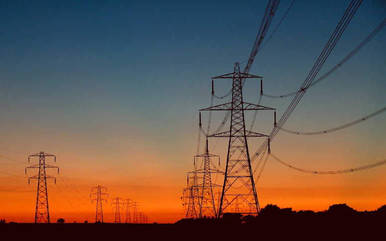Arce quer mais qualidade nos serviços de energia